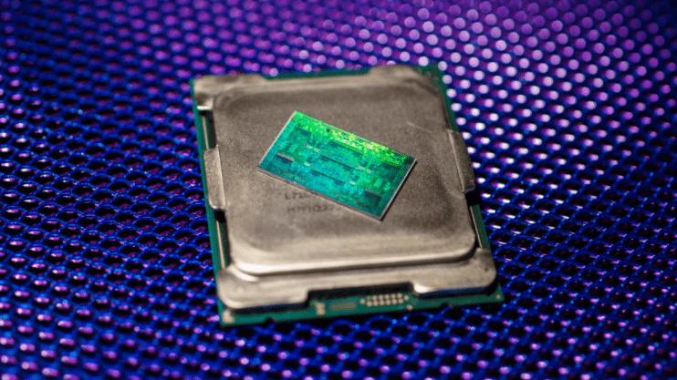 Intel Core i9-12900K este mai rapid decât AMD Threadripper 2990WX în Cinebench