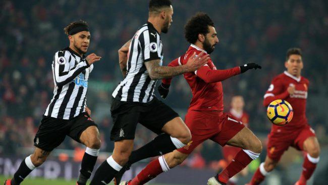 Mohamed Salah, winger asal Liverpool ini menjadi pusat perhatian karena dianggap terlalu mudah jatuh dalam kotak pinalti lawan.