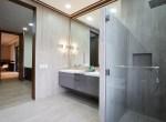 Bathroom Master's Bedroom