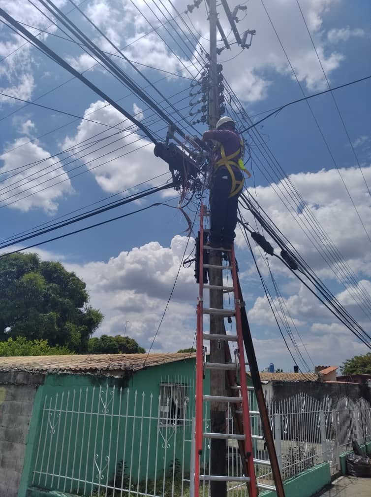 Cantv ejecutó reparaciones en redes para garantizar servicios en Cojedes