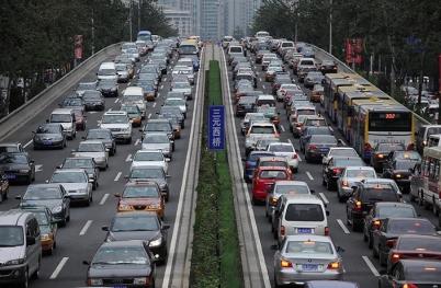 Çin tüm araçları takip edecek!