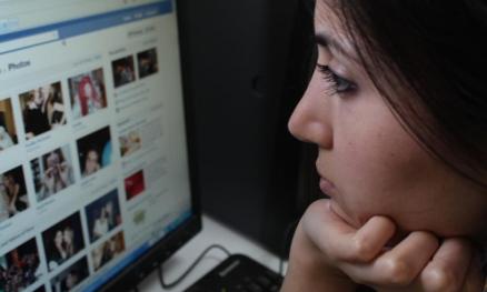 Facebook paylaşımlarından depresyon teşhisi geliyor!