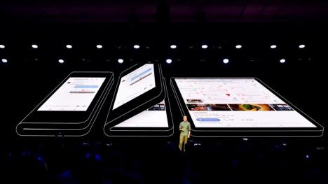 Samsung katlanabilir telefon fiyatı ağlatacak!