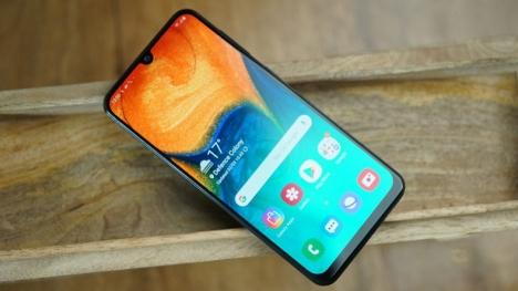 Samsung Galaxy A40 ortaya çıktı!