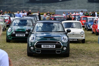 Mini Cooper 60. yıl partisi Avrupa'yı sarsacak