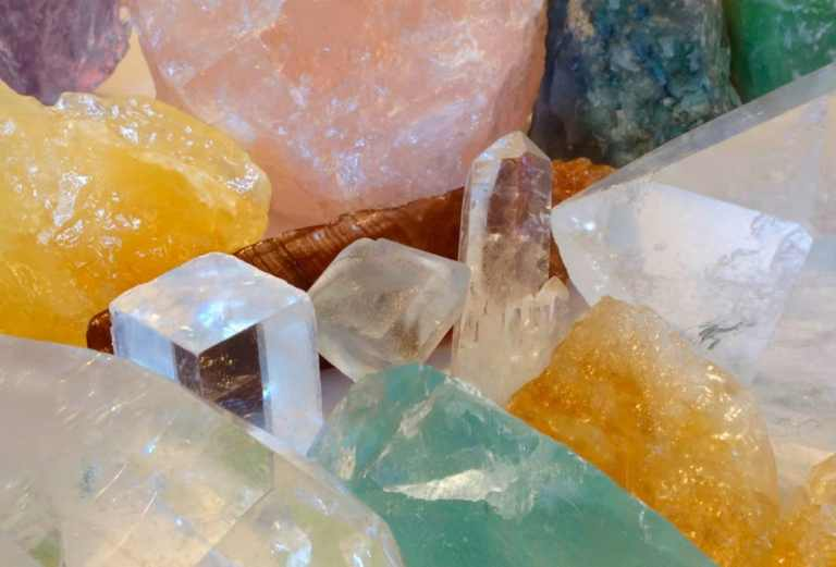 why crystals work