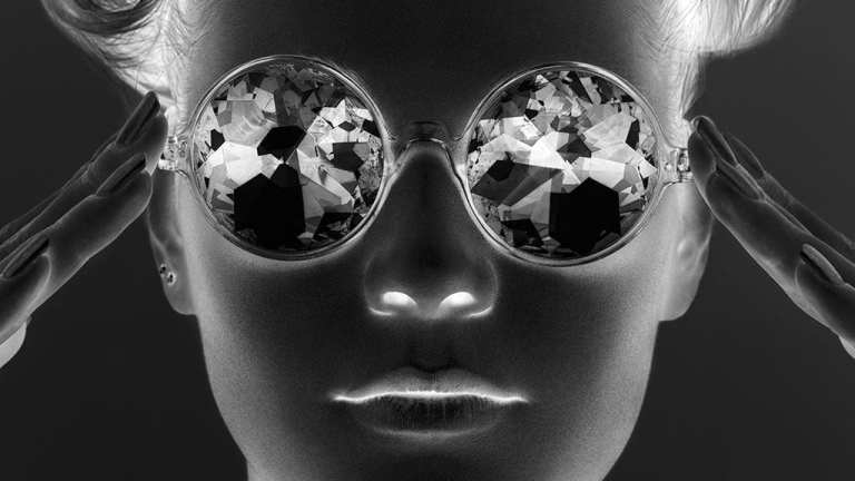 girl with crystal sunglasses