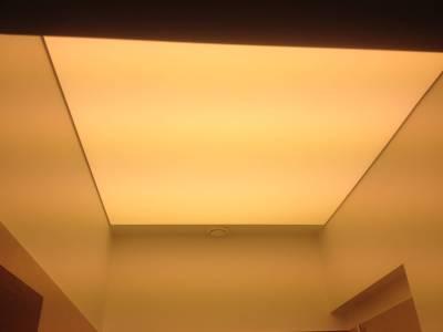 Šviesai-pralaidžios-lubos