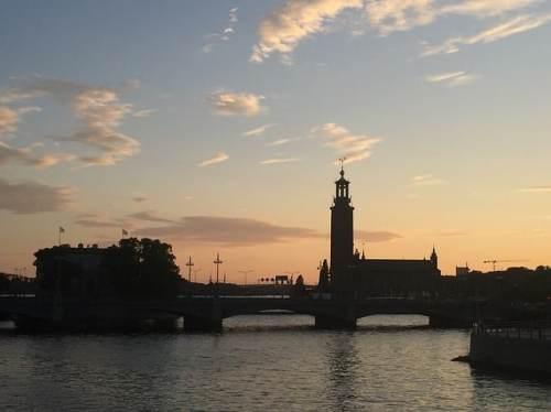 Stockholm silhuett med Stadshuset