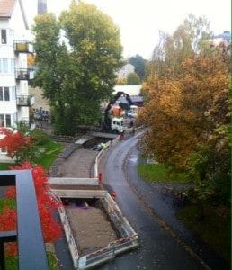Hål i gatan. Byggnadsarbeten. Nu har hålet fått asfalt!