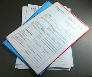 Ansökningar till Försäkringskassan. De vill att jag ska bifoga en del papper...