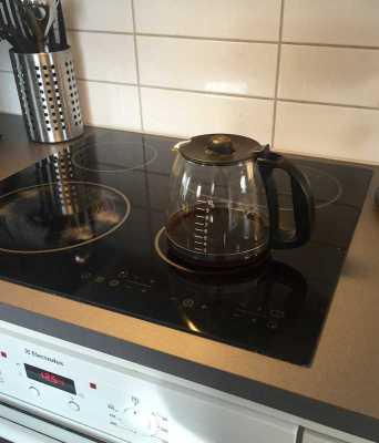 Kaffepanna på spisplatta