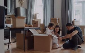 famille souhaitant réduire ses dépenses fixes