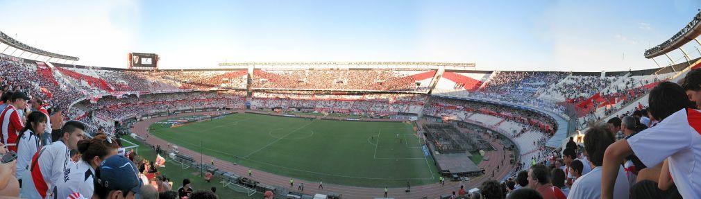 Panorama_Estadio_Monumental_(Buenos_Aires,_Argentina)_football_River_Plate