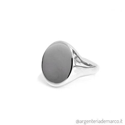 argento lucido rodiato, Il trattamento di rodiatura consiste in uno strato protettivo che protegge l'argento dall'usura.