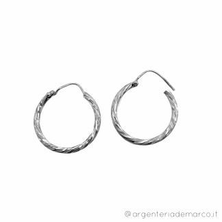 Orecchini a Cerchio in Argento 925 2x20mm diamantati OCS048