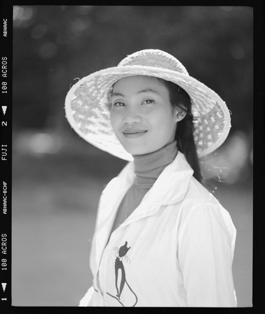 Inconnue du Cambodge Pentax 6x7 - Fuji Acros 100