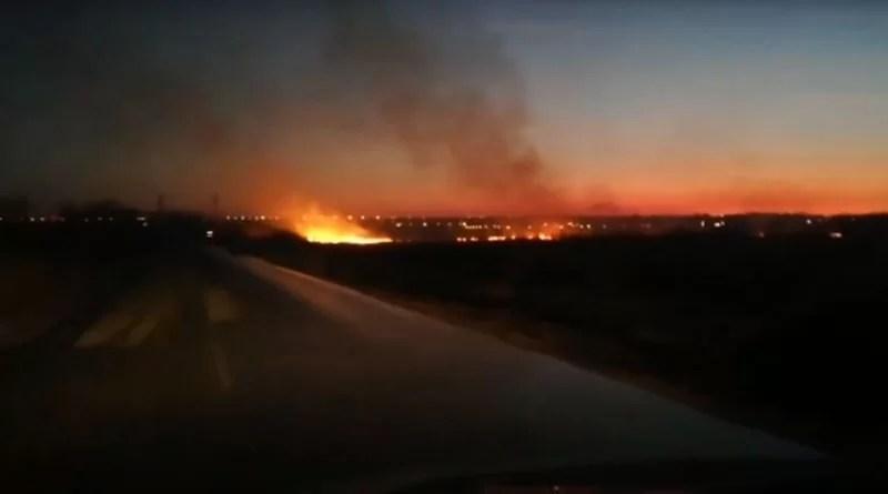 Acum! Incendiu de vegetație la Ștefănești (video)