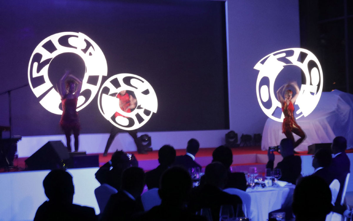 Kia Rio Logo - Visual Pixel Poi Show - Argolla productions - corporate entertainment