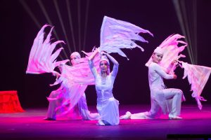 he Journey to Argolla Wonderland - Acrobatic Show for Kids - Wings Spinners