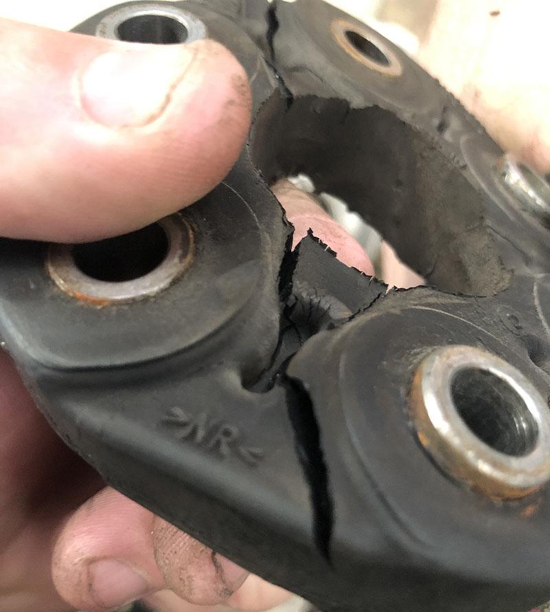 porsche 911 carrera 4s front driveshaft flex disc