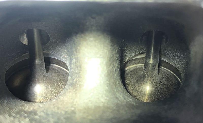 Clean valves after walnut blasting