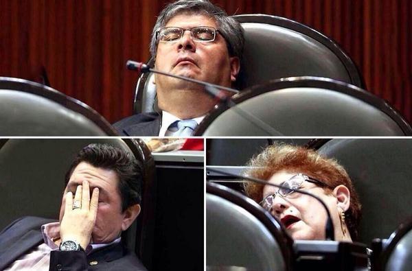 diputado dormido2