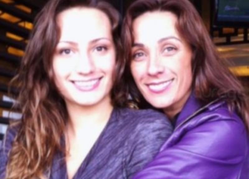 Consuelo Duval y su hija revientan internet perreando con su espectacular retaguardia