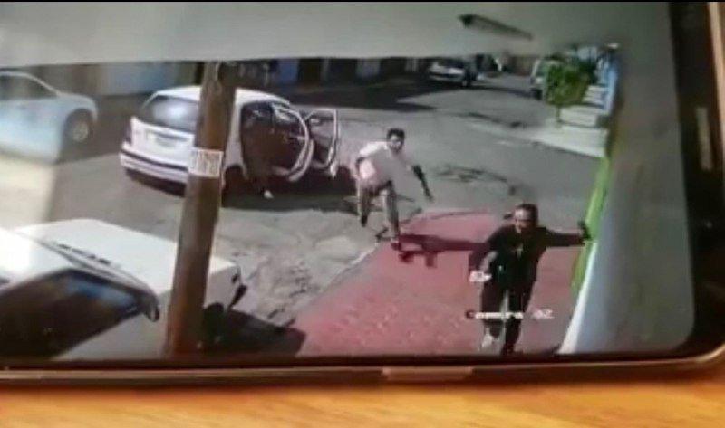 Mujer corre para evitar ser secuestrada en Ecatepec (Video Fuerte)