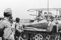 Erwin Rommel in North Africa near Tobruk with Afrikakorps. (Credits: Bundesarchiv)