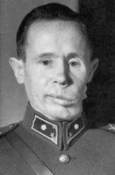 Simo Häyhä in the 1940s, with visible damage to his left cheek after his 1940 wound