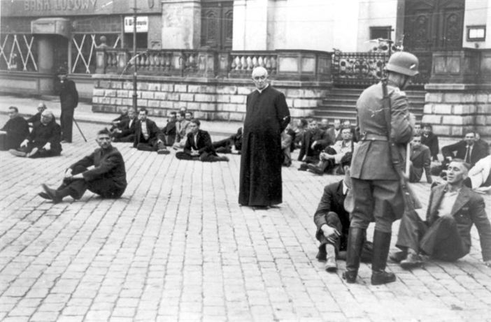 A priest among Polish hostages, September 1939.