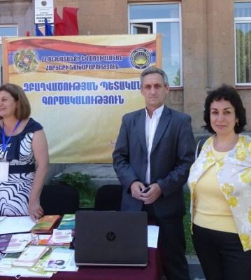 Արհմիության ներկայացուցիչները Ապարանում և Գյումրիում՝ աշխատանքի տոնավաճառին