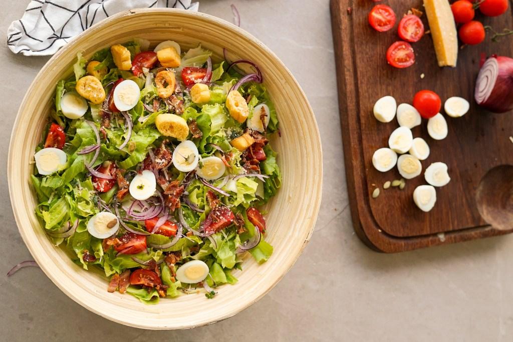 como fazer salada simples e saborosa
