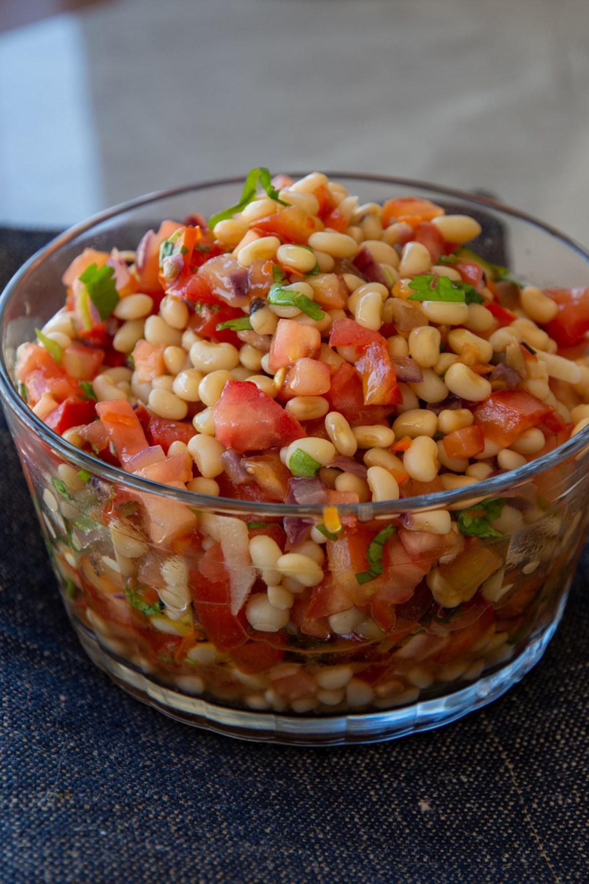 como fazer salada de feijao fradinho