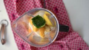 como fazer smoothie refrescante - vitamina para o café da manhã