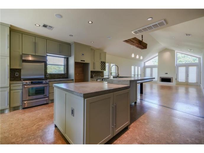 Listed with Chris Riemer, Riemer Residential
