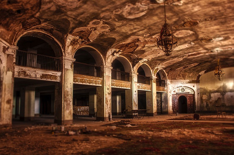 15 Eerie Abandoned Buildings Across Texas