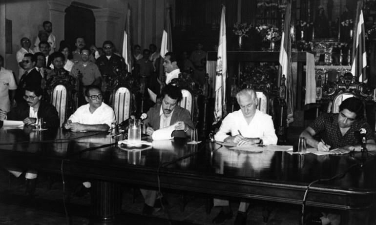 Firma del Plan Arias para la Paz