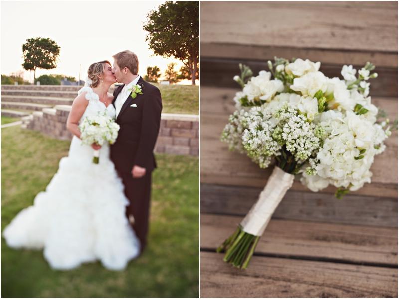 White Bouquet Wedding couple