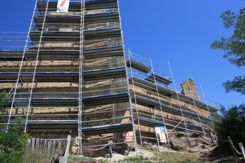 Scaffolding at Chateau de Lordat S