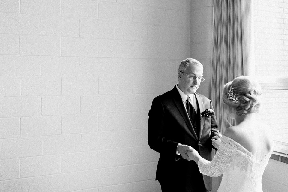 Arielle Peters Photography | Father of the bride sharing a private moment with the bride on her fall wedding day.