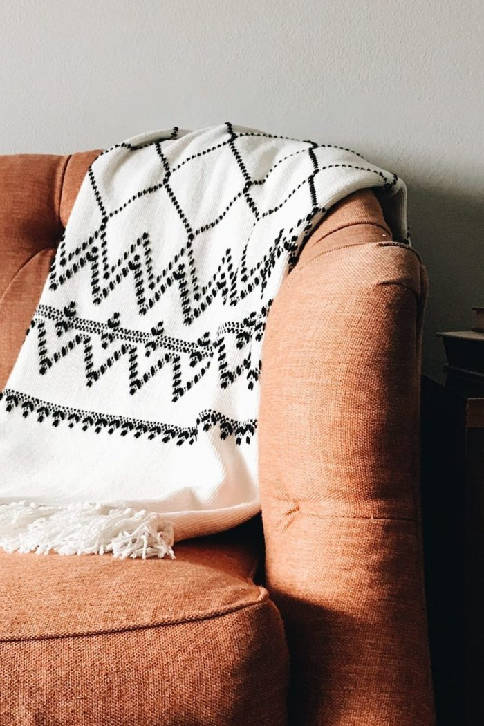 27 Awesome Fall Apartment Decorating Ideas