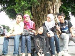deni,putri,luluk,tanti and me