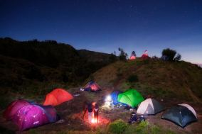 camping bukit sikunir