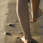 「立つと踵が痛い症状の原因」足底筋膜炎・足首の不調のストレッチの方法