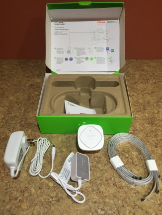 Unboxing the WeMo starter kit with WeMo Link, light strip, and power supplies x2