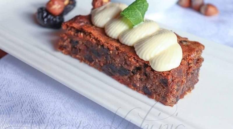 Čokoladni kolač sa suhim šljivama- bez brašna