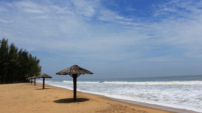 An empty beach in Kochi, Kerala.
