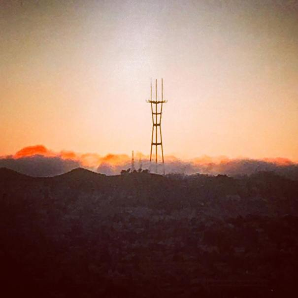 Sun setting while waiting for full-blood-moon-eclipse #sanfrancisco #sutrotower #sunset